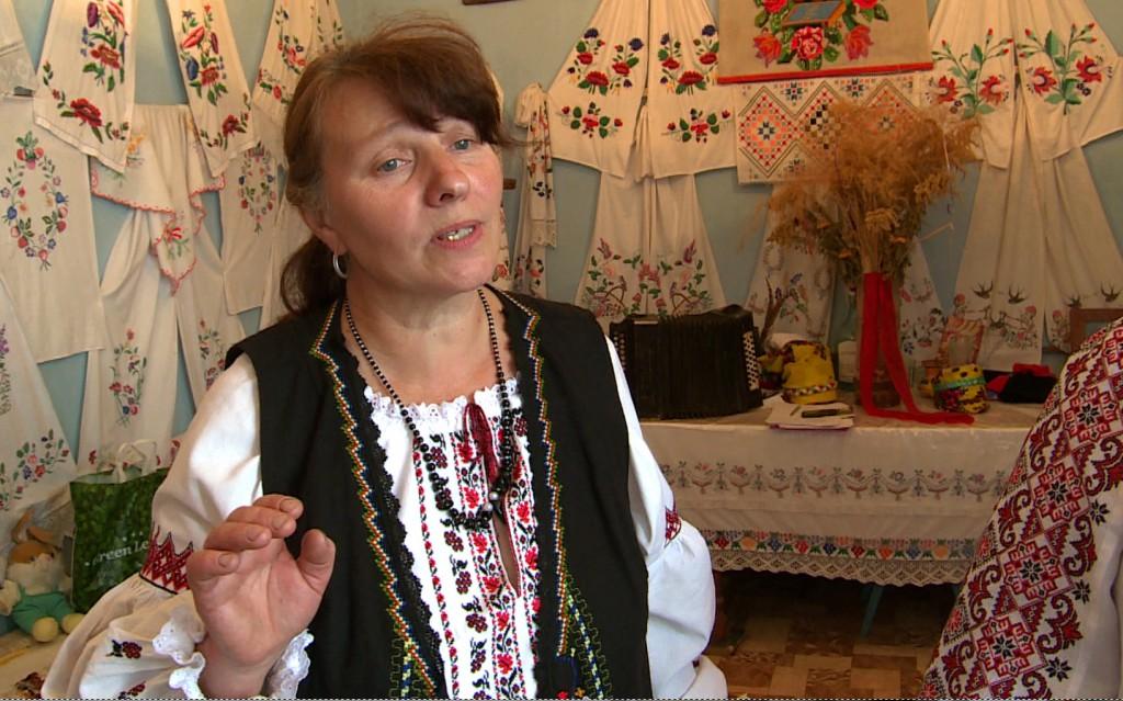 Olga singing